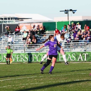 Women's soccer dominate LeTourneau, win 6-0
