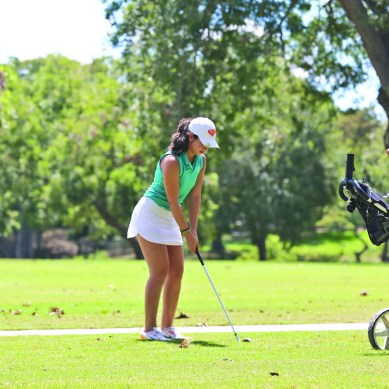 Golf Team 'Aces' Season Opener