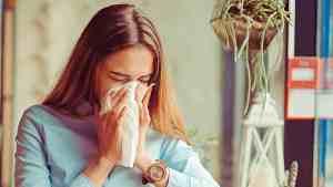 Motion och sömn förebygger förkylning, säger forskaren.