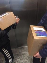 Bøkene hentes fra trykkeriet