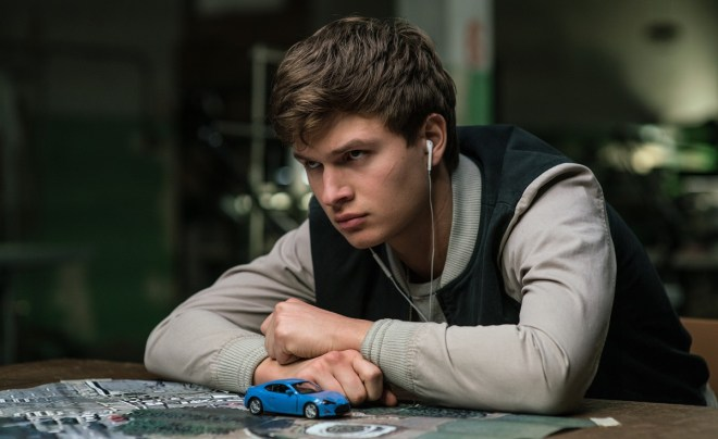 Baby-Driver-Baby-Ansel-Elgort-with-map-copia