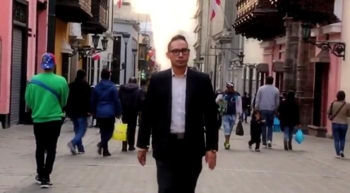 """Se hace llamar """"el abogado del pueblo"""". Nosotros no le hemos puesto así. Fuente: Captura web youtube"""