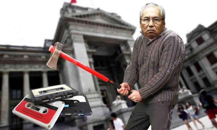 Gracias al Congreso, que no quiere investigarlo, Chávarry sigue haciendo lo que quiereen el Ministerio Público. Imagen: Útero.Pe