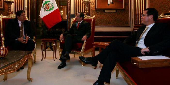 Operadores políticos. Imagen: Andina