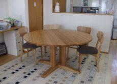 タモの無垢丸テーブル135cm直径