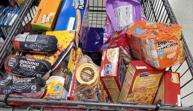 Austin Police Department Officer James Riley groceries