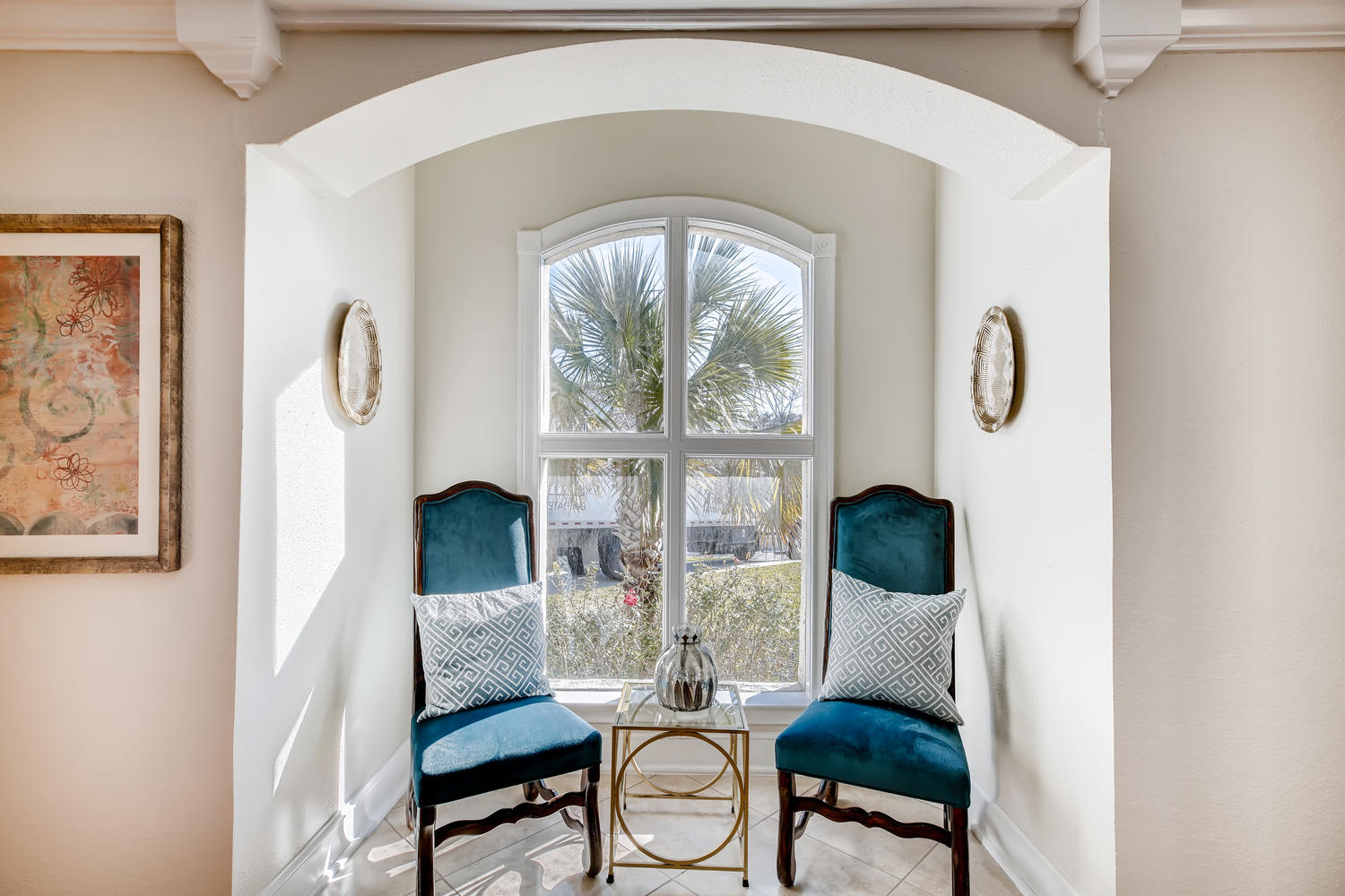 Full home staging in Las Vegas, Nevada, featuring a sitting area