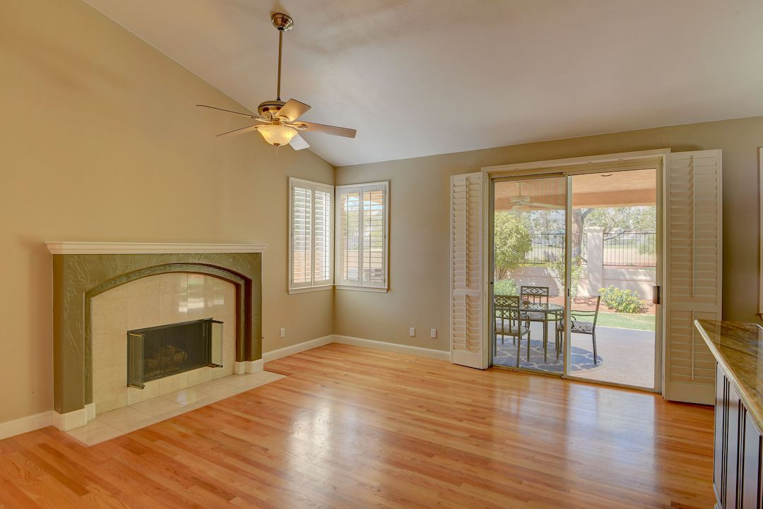 1609 Breeze Canyon Drive Utopia Home Staging web7