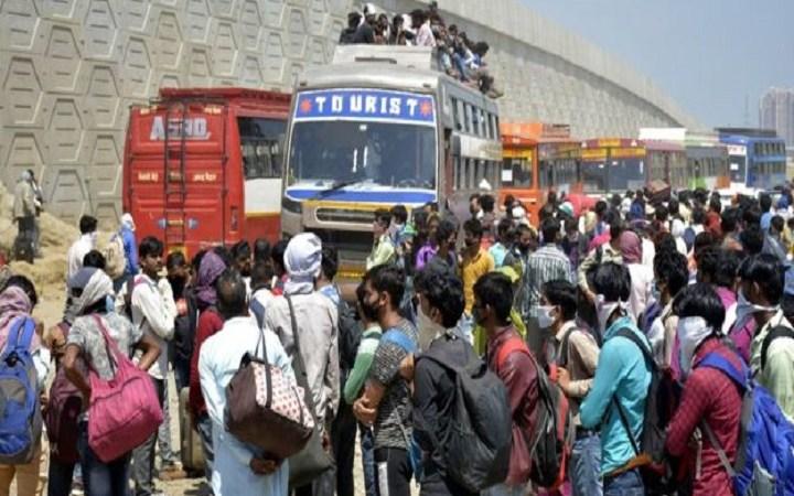 'লকডাউন' ইন্ডিয়ায় শ্রমিকদের জীবন সঙ্কট
