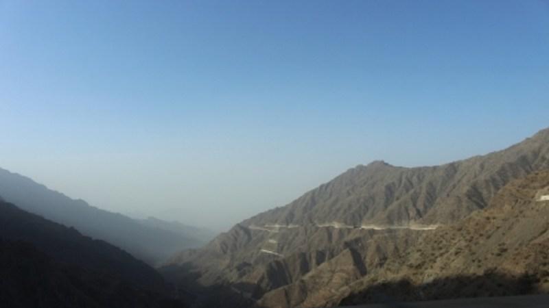 ভ্রমণ কাহিনি: আরবের পথে পাহাড়ে