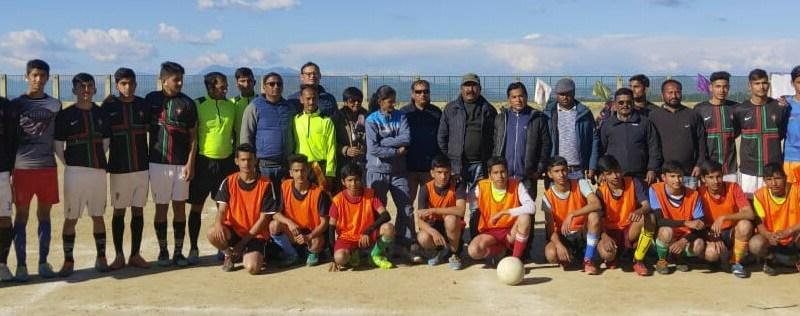 शाबाश:- प्रदेश स्तरीय खेल महाकुंभ में प्रतिभाग करेगी ताड़ीखेत की टीम   बालक वर्ग के अंडर-17 फुटबाल मुकाबले में बनी जिला स्तरीय चैम्पियन 1