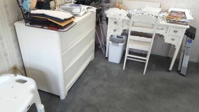 fair-white-desk