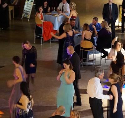Alumni Association hosts annual Holiday Ball