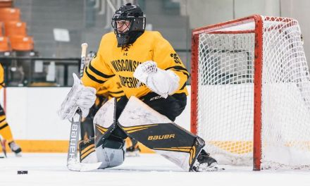 Yellowjacket men and women advance to WIAC hockey semis, both play tonight