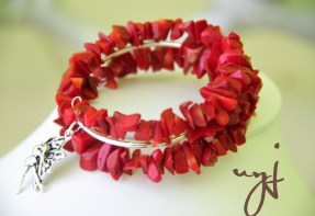 Red coral chip