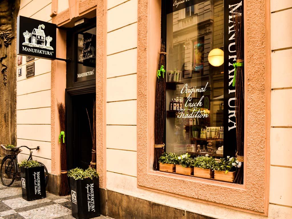 Магазины в Праге. Магазин «Manufaktura» на Celetná 558/12