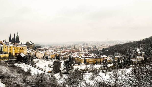 Вид на Прагу со смотровой площадки Страговского монастыря