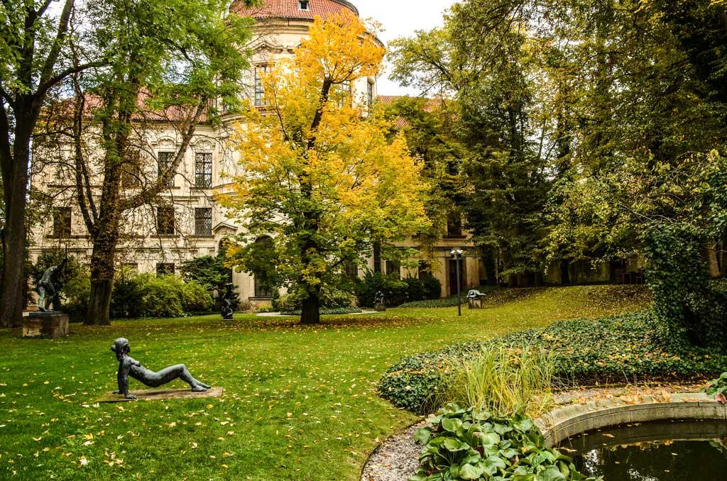 Сад Штернбергского дворца
