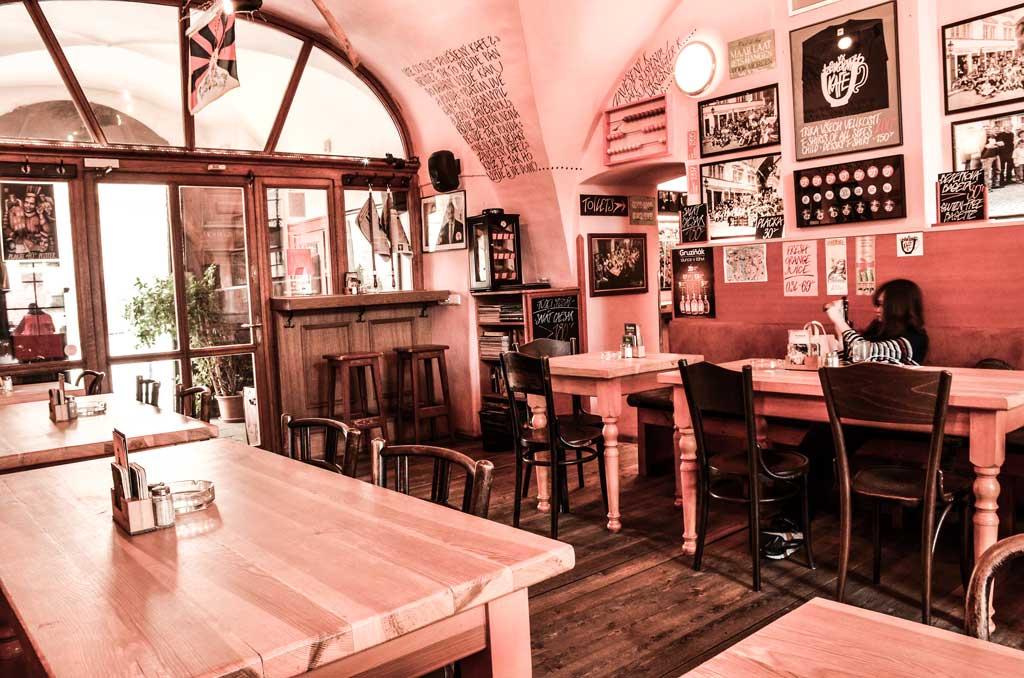Градчаны в Праге. Ресторан «U Zavěšenýho kafe»