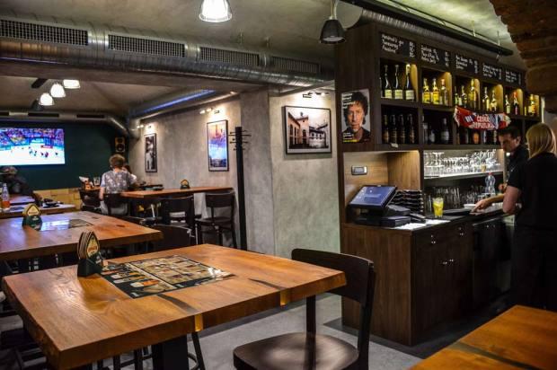 Пивной маршрут по Праге. Пивной ресторан «Bernard PUB U Bílého Lva».. Интерьер