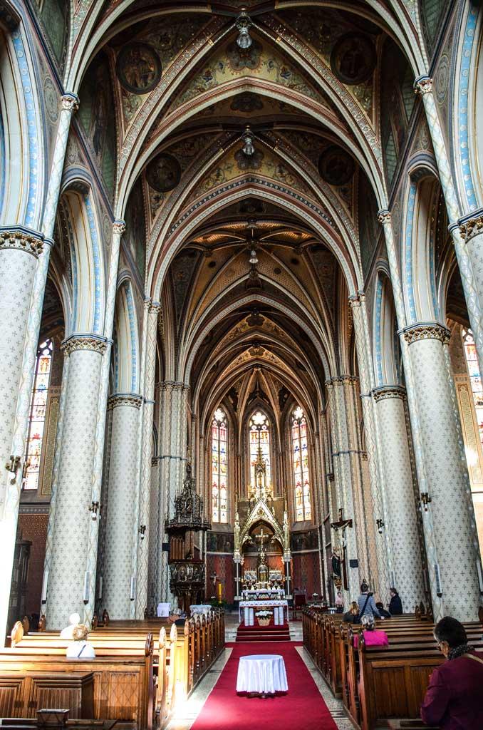 Прага. Костёл Святой Людмилы. Внутреннее убранство храма