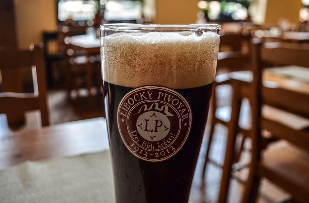 Чешское пиво. Тёмное пшеничное пиво верхового брожения «Šebestián 13°»