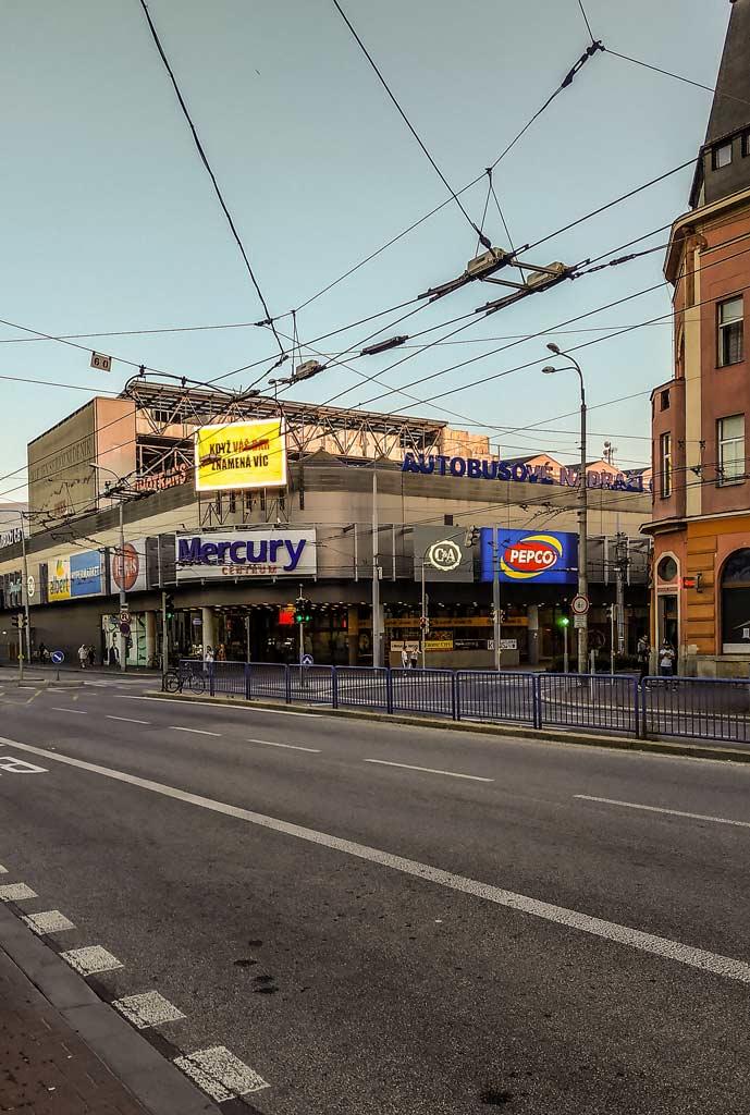 Автовокзал Ческе-Будеёвице на крыше торгового центра