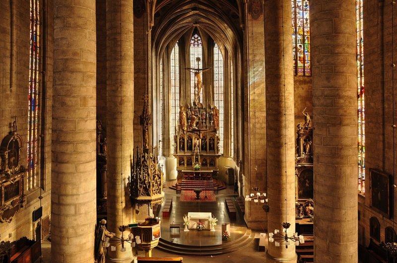 Интерьер собора Св. Варфоломея