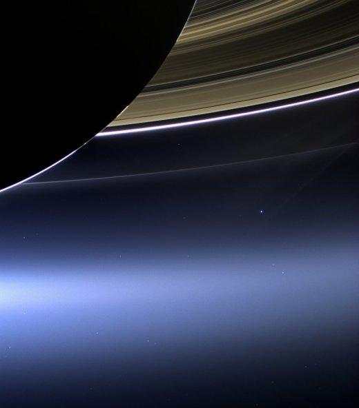 Satürn'ün Halkaları Arasından Dünya Fotoğrafı - 19 Temmuz 2013
