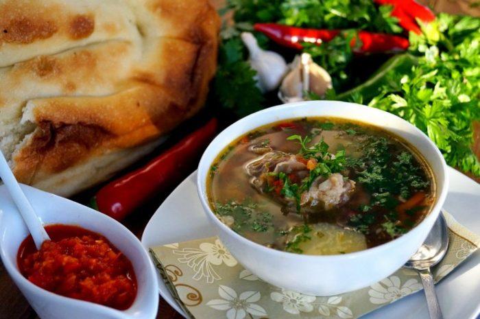 Uzbek Shurpa: Spesies hidangan dan resipi