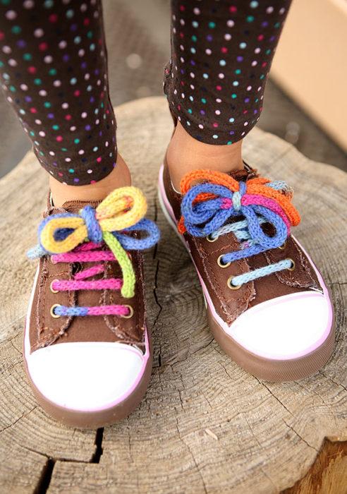 Шнурок крюком для ботинок