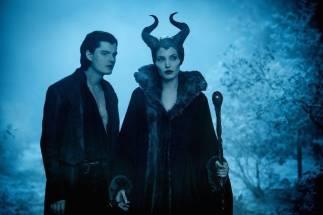 Diaval and Maleficent(Source: anibundel.com)