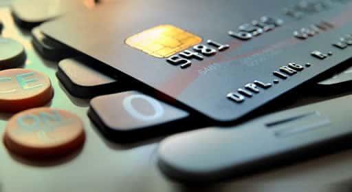 クレジットカードの利用は可能