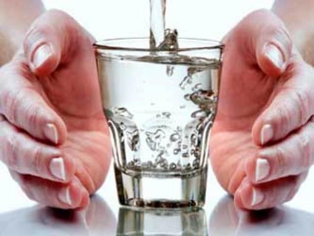 Как исполнить желания при помощи техники «Стакан воды»