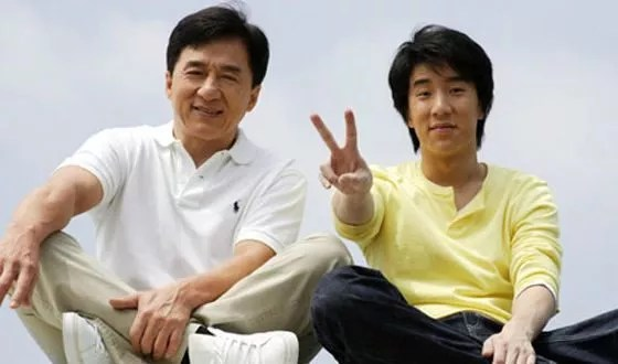 Джеки чан биография. Джеки Чан: биография, личная жизнь, семья, жена, дети — фото