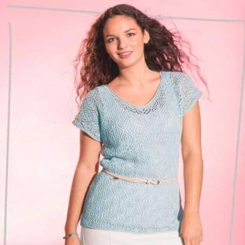 Вязание для женщин. Пуловер спицами голубого цвета с узором «Ромбы»