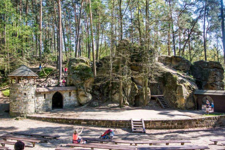 skalní divadlo.jpg
