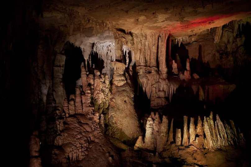 Путешествие по Имеретии: храмы, пещера Прометея и следы динозавров