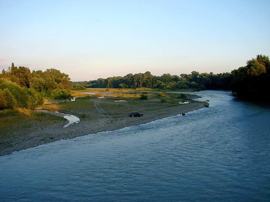 reka Alazani rybalka