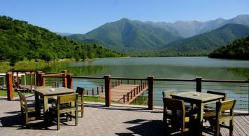 Отель «Kvareli Lake» у озера Кварели