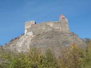 Крепость Мзоврети в Дзамской долине