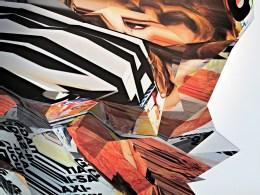 Glamour n° 105 : Les news codes ultra-mode, Réinterprétation dimensionnelle n° r_412, vue de la caméra 8, tirage sur toile, 110 x 110 cm, détail