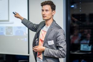 Bastian Kneissl von MountLytics auf der Start-up Night München