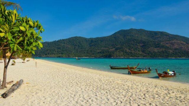 Пляж Sunrise Beach на острове Ко Липе