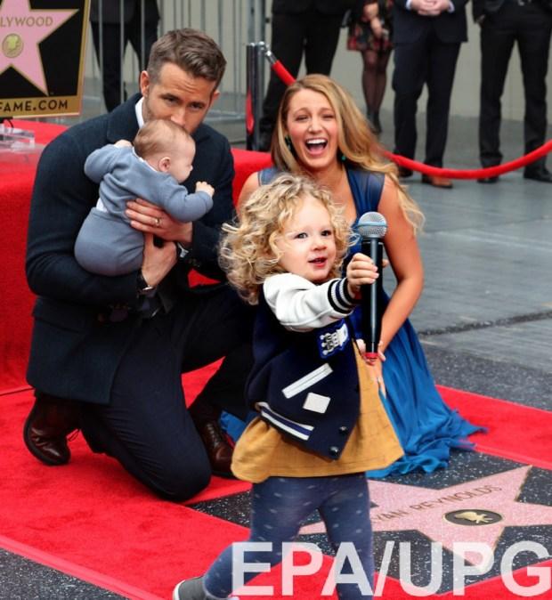 Блейк и Райан с дочками