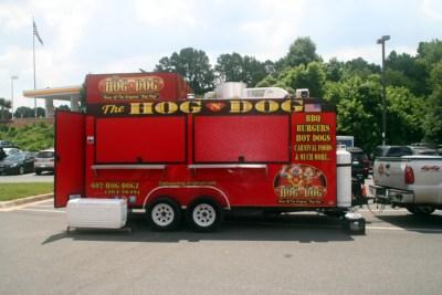 The Hog 'n Dog food truck