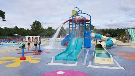 jeux-enfants-piscine-siblu-camping-landes