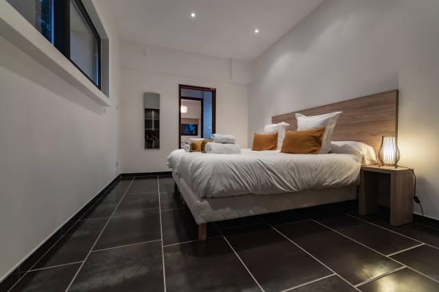 la chambre 2 de la villa de luxe en location au cap d'agde