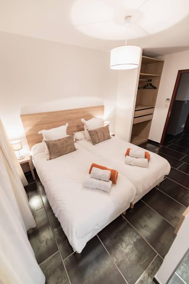 la chambre 5 de la villa de luxe en location au cap d'agde