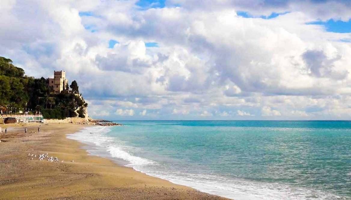 finale-ligure-spiaggia-vacanze-benessere-2021